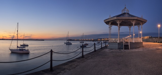 Dun-Laoghaire-pier-band-stand