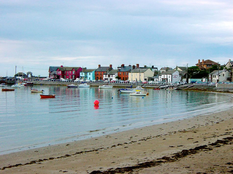 -Harbor_at_Skerries,