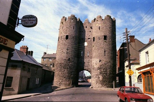 St._Laurence's_Gate,_Drogheda_-_geograph.org.uk_-_1055832.jpg