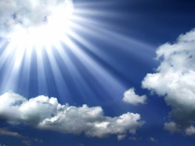 sun-rays-coming-out-of-the-cloud-1